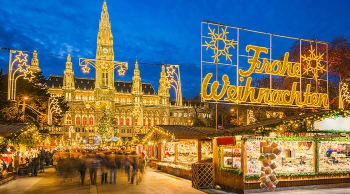 Vienna is simply stunning, all lit up for Christmas