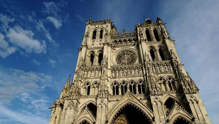 Walk along the canals of Amiens, and discover the history of the Sommes.