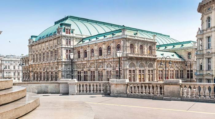 The imposing façade of the Vienna State Opera