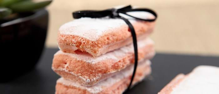 Discover the delicious Biscuits roses de Reims of Reims