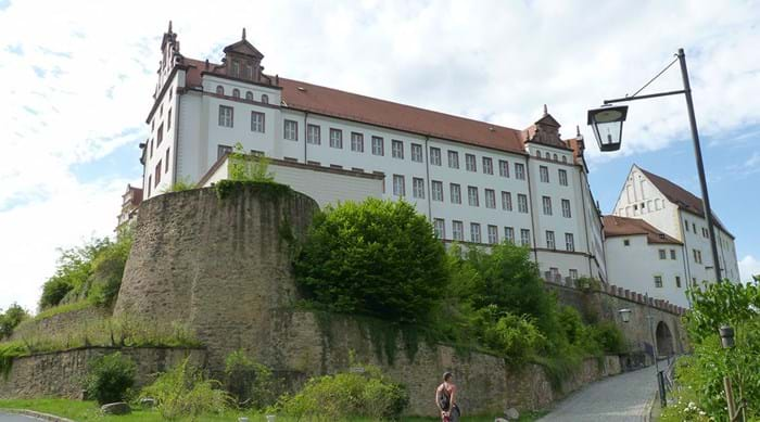 Dogs were allowed both in Colditz Castle and on the guided tours.