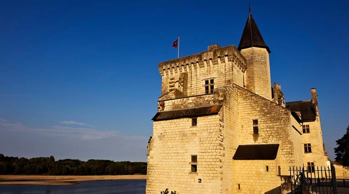 Montsoreau's buildings are all built using iconic limestone bricks