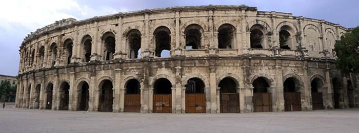 Nîmes and its beautiful buildings
