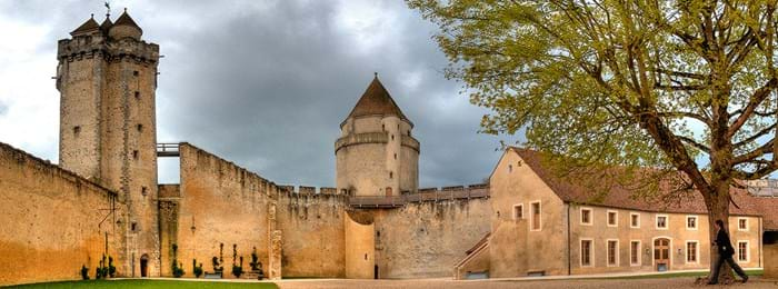 Listen out for the ghostly cries around Château de Blandy-les-Tours