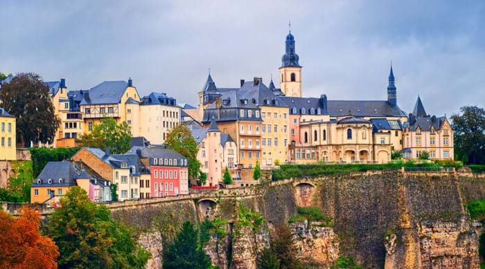 Enjoy a romantic stroll together in Luxembourg City