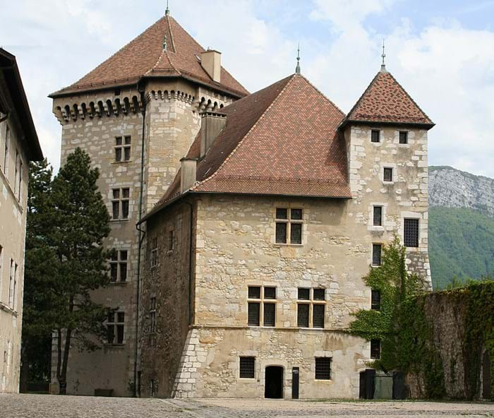 The regal and historic, Château d'Annecy